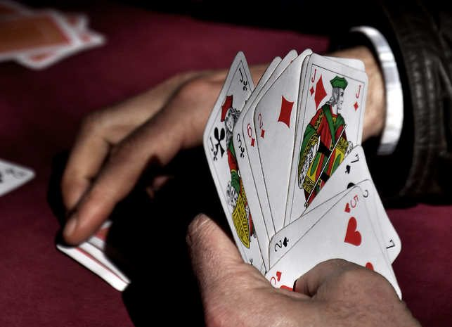 Lessons For A From A Play Poker Online Table – Gambling